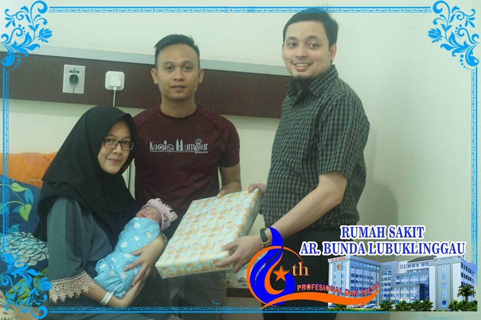 Bingkisan untuk bayi yang lahir tanggal 19 September